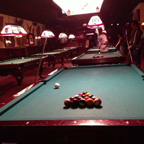 Second avenue saloon sports bar 13 tips for 2nd avenue salon