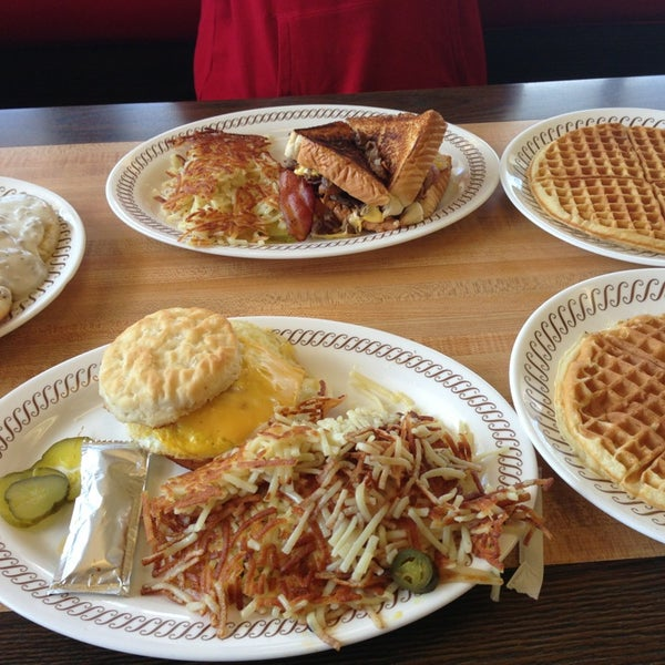 Photo taken at Waffle House by R A. on 3/13/2013