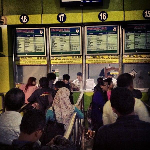 Photo taken at Stasiun Gambir by Handry S. on 3/21/2013