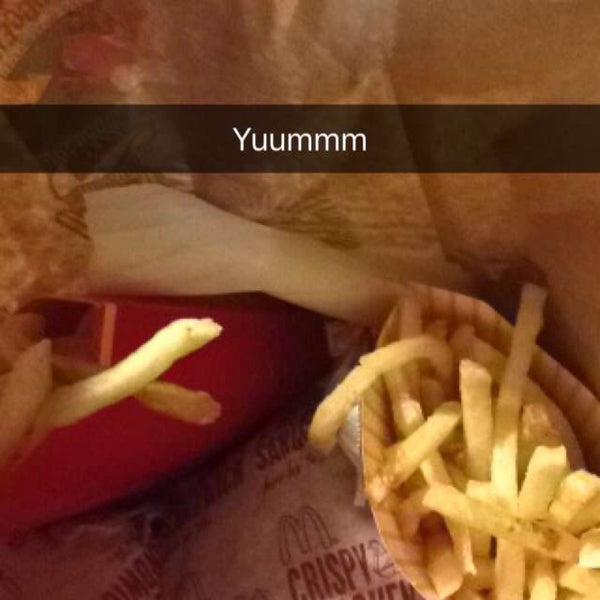 Photo taken at McDonald's by Mireya A. on 12/27/2015