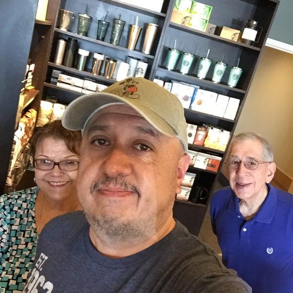 Photo taken at Starbucks by Rey L. on 7/25/2015