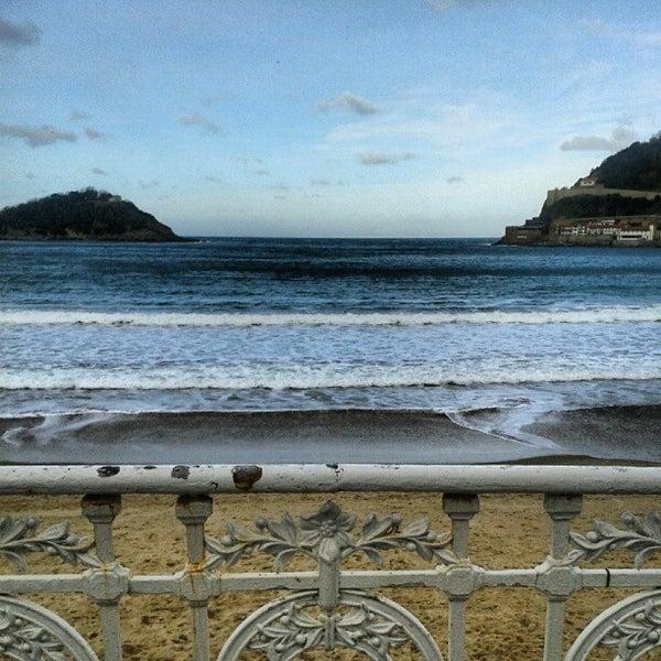 Photo taken at Paseo de La Concha by Alfonso Daniel G. on 12/21/2012