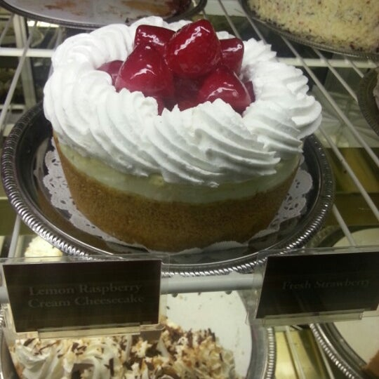 Photo taken at Cheesecake Factory by Nida S. on 1/5/2013