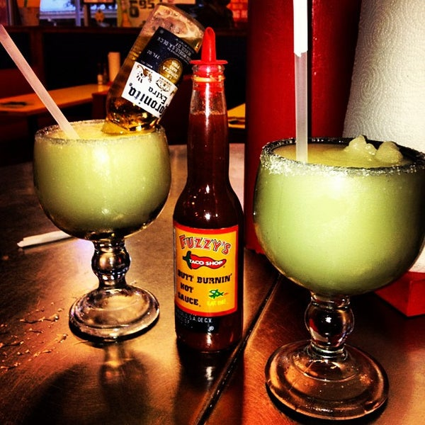 Photo taken at Fuzzy's Taco Shop by Luis M. on 9/17/2012