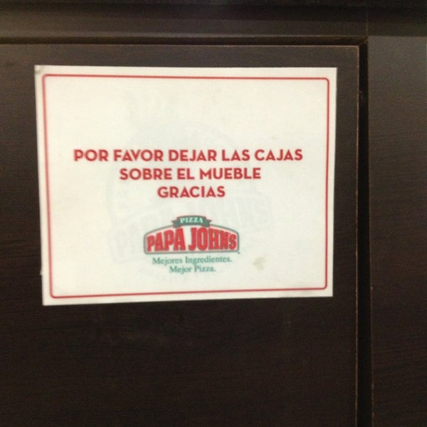 Photo taken at Papa John's by Viviana P. on 3/27/2013