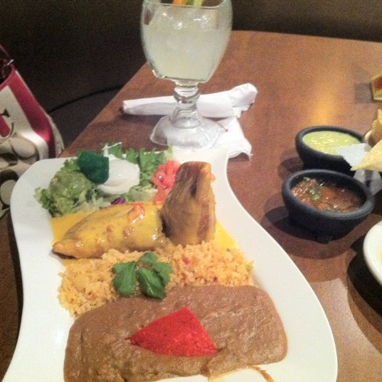 Photo taken at Mamacitas Mexican Restaurant by Roderick F. on 12/17/2012