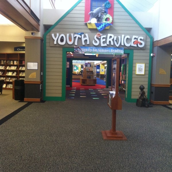 Photo taken at West Bloomfield Township Public Library by Miss C. on 7/9/2013