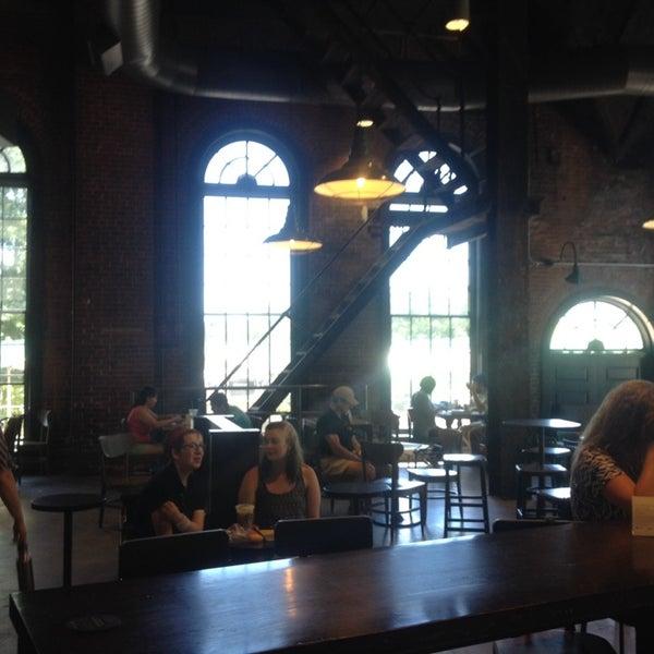 Photo taken at Starbucks by Igor P. on 6/28/2014