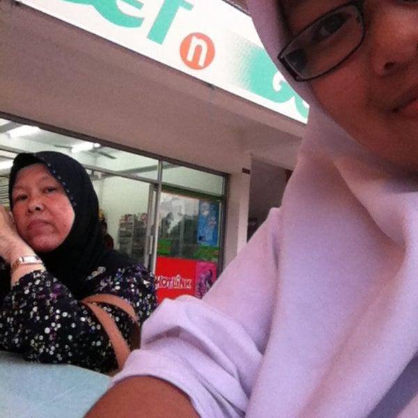 Photo taken at Teratak D'lalapan Restoran Kampung & Katering by Imah Z. on 5/14/2013