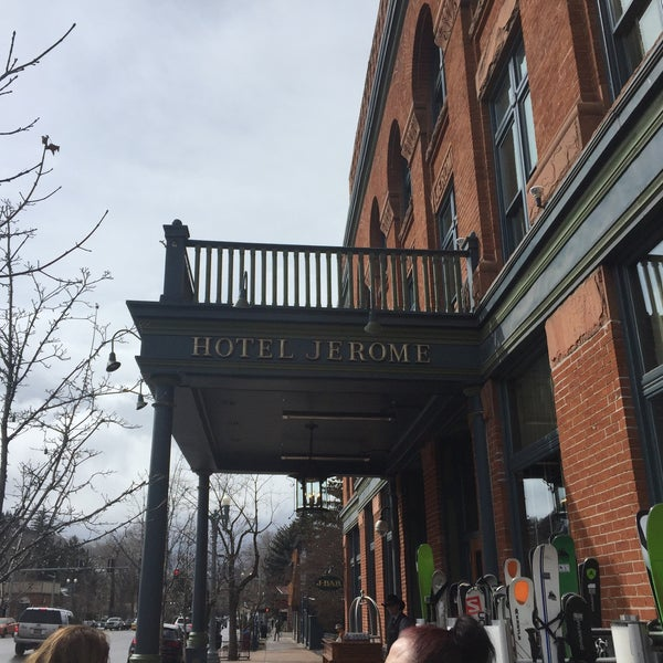 Photo taken at Hotel Jerome by Bull Dog C. on 3/30/2016