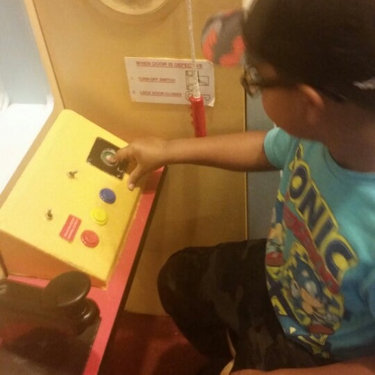 Photo taken at Long Island Children's Museum by Jasmin M. on 9/27/2014