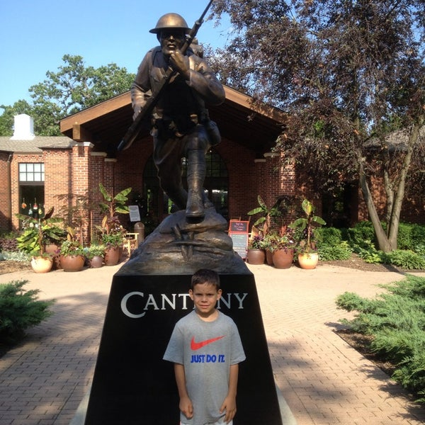 Photo taken at Cantigny Park by Jose S. on 6/15/2013