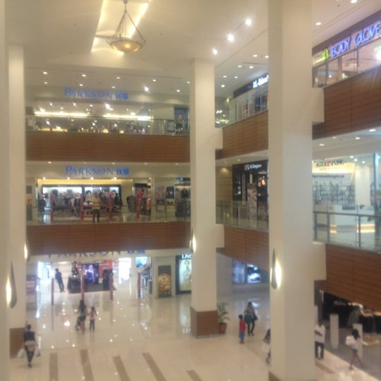 Photo taken at Gurney Plaza by LoNeLy G. on 11/10/2012
