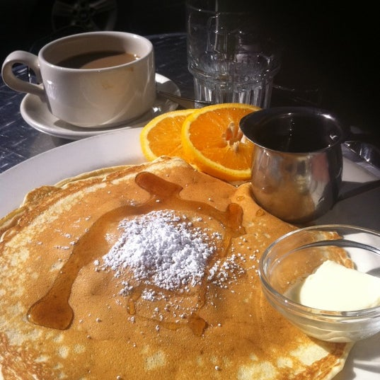 Photo taken at Caffe DeLucchi by Arina  D. on 10/28/2012
