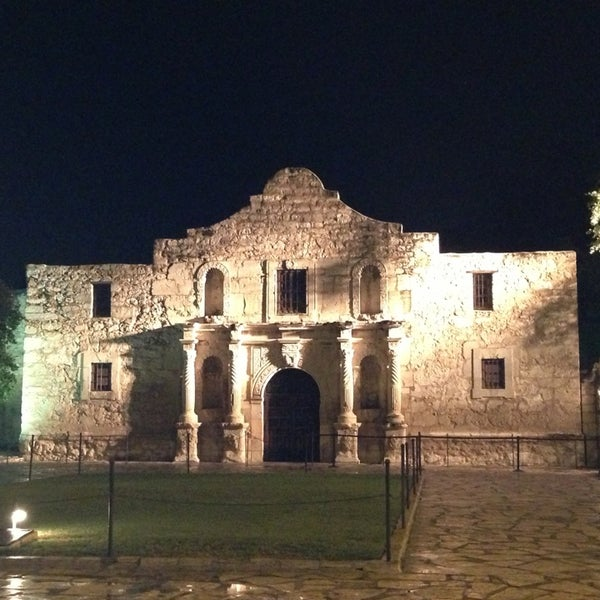 Photo taken at The Alamo by Teena W. on 6/13/2013