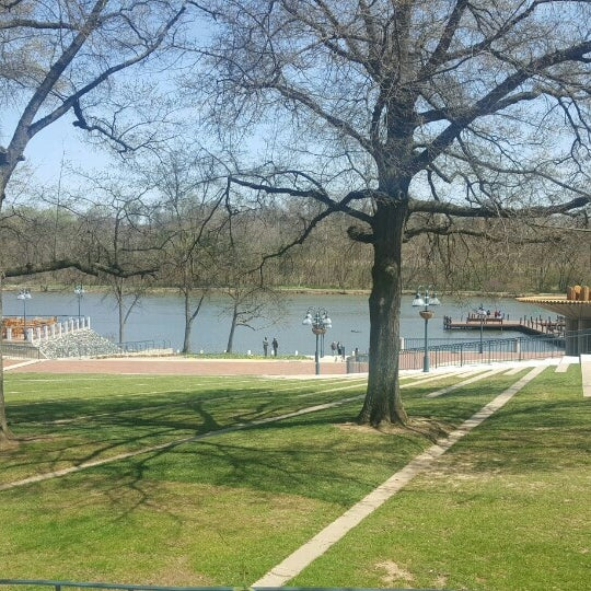 Photo taken at Columbia Town Center Lakefront by Byron M. on 4/6/2016