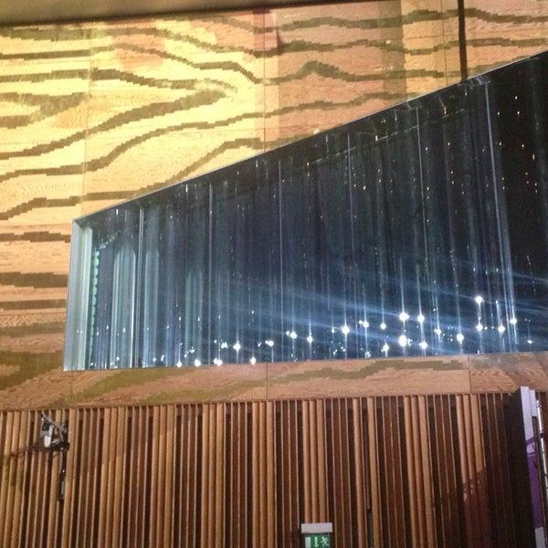 Sala suggia av da boavista for Sala 600 melide