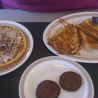 Photo taken at Waffle House by Shae on 10/13/2012