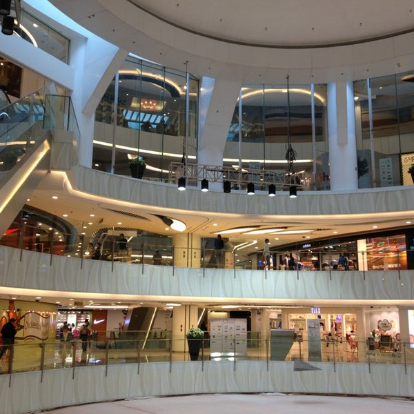 New Town Plaza Food Court In Hong Kong: Shopping Mall In Mong Kok