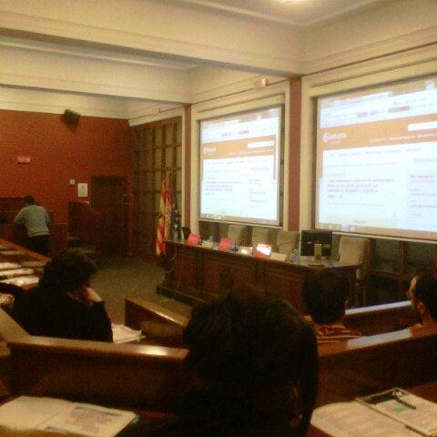 Foto tomada en Cámara de Comercio e Industria por Juan José S. el 3/19/2013