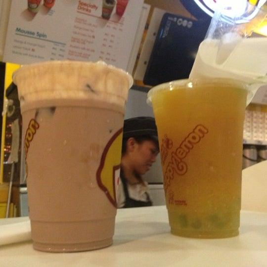 Photo taken at Happy Lemon by R R. on 12/9/2012