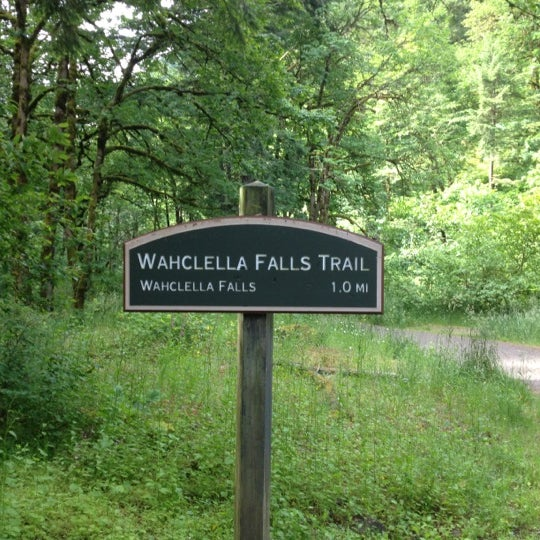 Photo taken at Wahclella Falls Trailhead by Matt R. on 6/16/2012