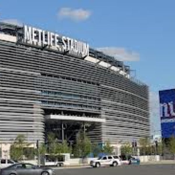 Photo taken at MetLife Stadium by Julio G. on 12/30/2012
