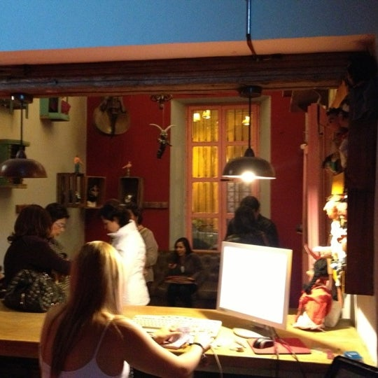 La casona del arbol teatro bar cocina show center for Teatro la cocina