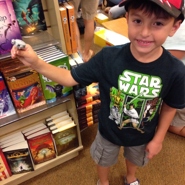 Photo taken at Barnes & Noble by JediLarry B. on 10/10/2015
