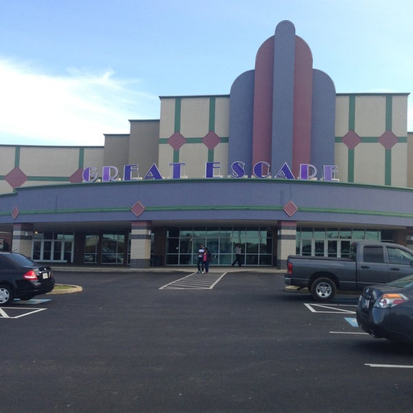 Check showtimes & buy movie tickets online for Regal River Falls Stadium Located at Lewis & Clark Parkway, Clarksville, IN >>> Regal River Falls Stadium 12 Movie Theatre.