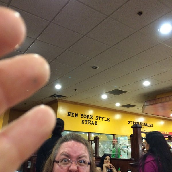Photo taken at Hibachi Grill & Supreme Buffet by Michael R. on 5/1/2016