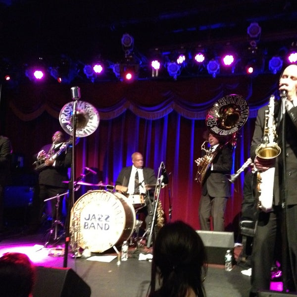 Photo taken at Brooklyn Bowl by Dianna H. on 3/7/2013