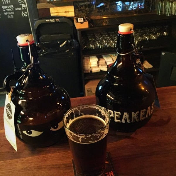 Photo taken at Speakeasy Ales & Lagers by Paul A. on 7/15/2016