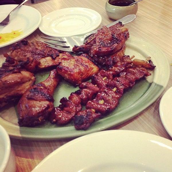 Photo taken at Sérye Café Filipino by Joderick V. on 6/8/2013