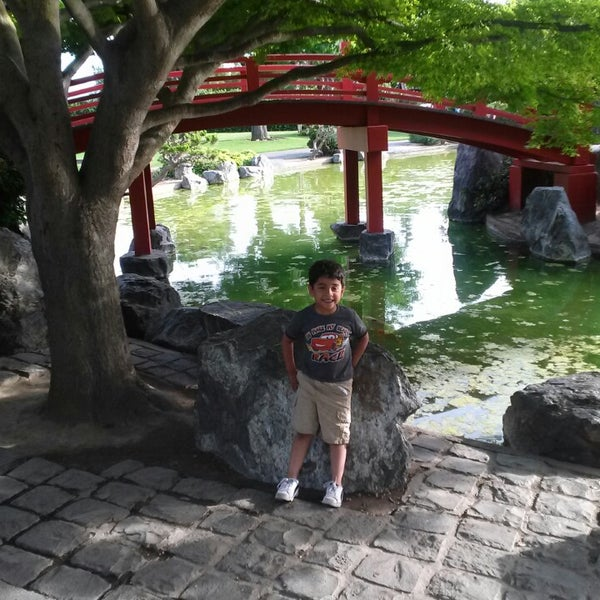 Photo taken at Japanese Friendship Garden by Aizen H. on 6/21/2014