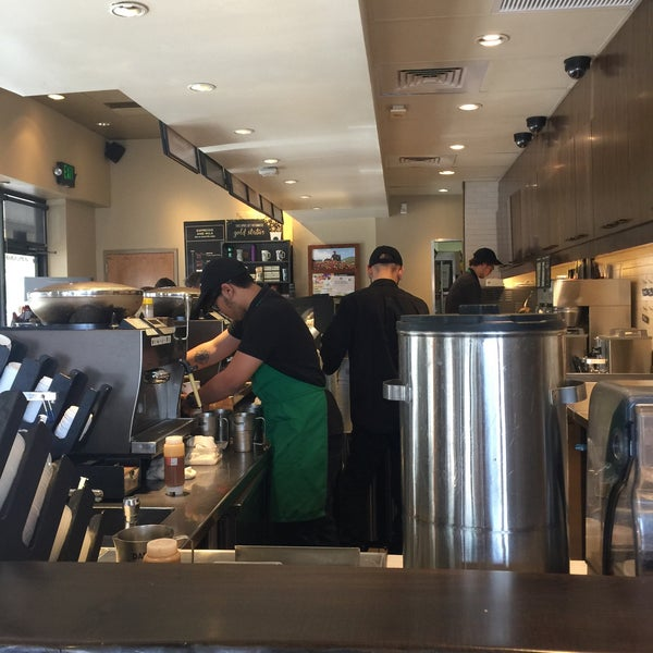Photo taken at Starbucks by Dee F. on 4/14/2016