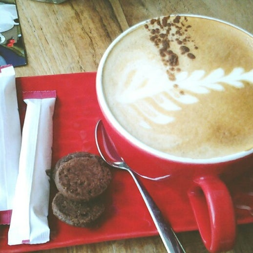 Photo taken at JAVA BEAN Coffee & Resto by Selly S. on 7/6/2013