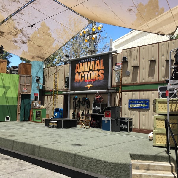 Photo taken at Universal's Animal Actors by Dana S. on 7/15/2016
