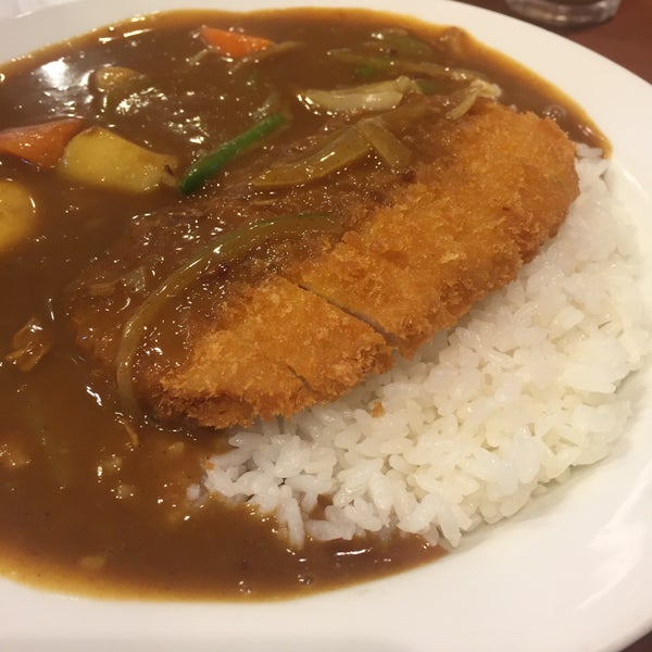 Photo taken at CoCo壱番屋 渋谷区宇田川町店 by Shinna N. on 7/1/2016
