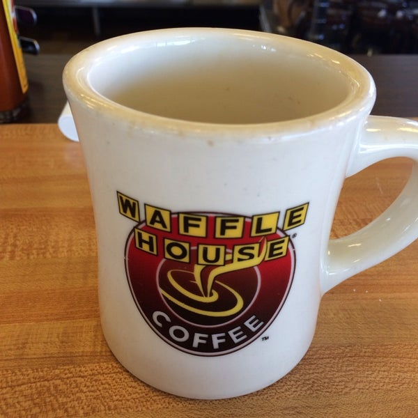 Photo taken at Waffle House by Brian Q. on 3/5/2014