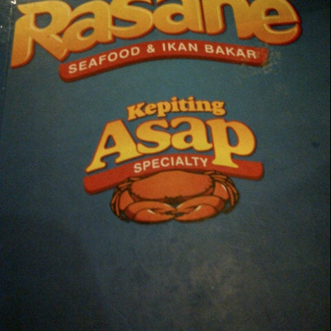 Photo taken at Rasane Seafood & Ikan Bakar by NPhitaloka on 8/12/2012