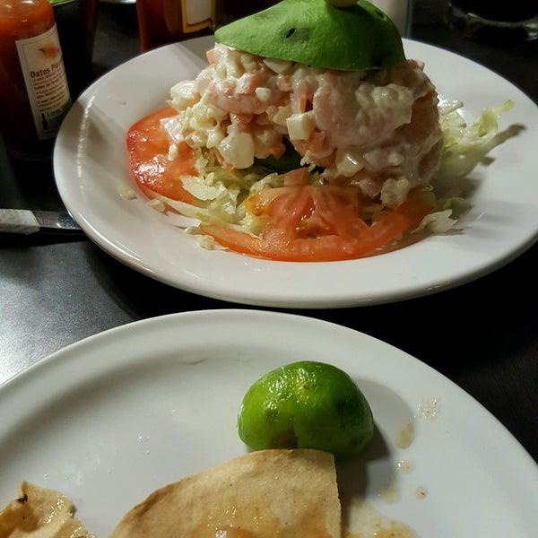 Photo taken at Pozole y Tacos Regios by kluzter b. on 10/14/2016