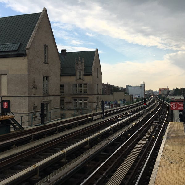 Photo taken at MTA Subway - Fordham Rd (4) by Cristian B. on 5/23/2016