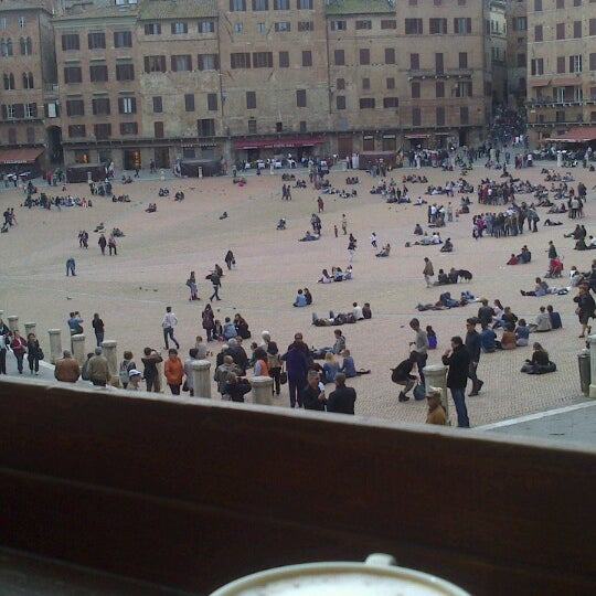 Photo taken at Piazza del Campo by Kasper Ly N. on 4/13/2013