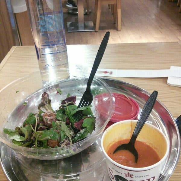 Photo taken at Pret A Manger by OYAM on 8/19/2015