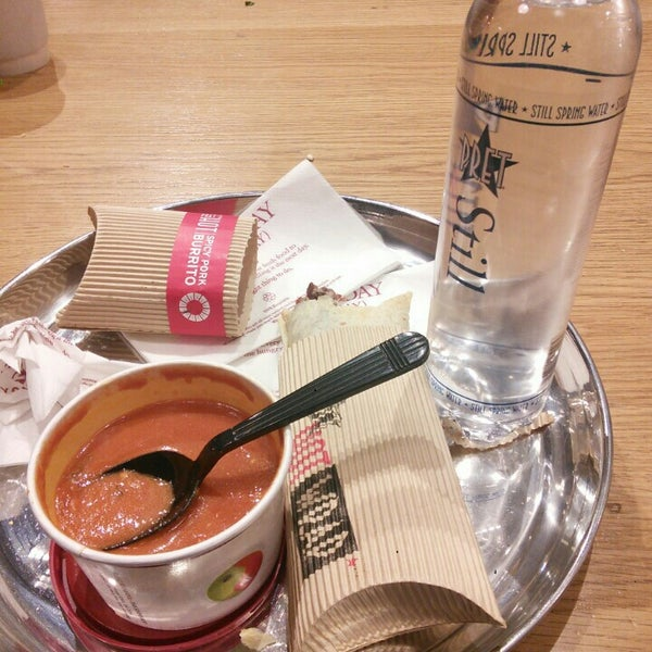 Photo taken at Pret A Manger by OYAM on 11/4/2015