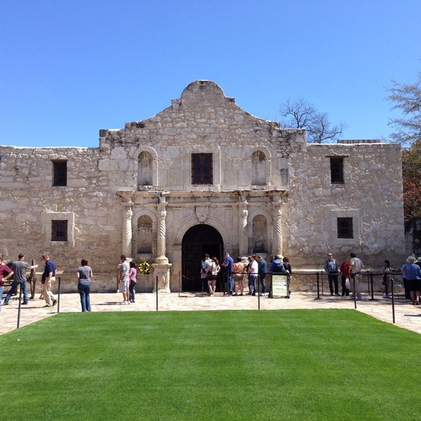 Photo taken at The Alamo by Reid C. on 3/11/2014