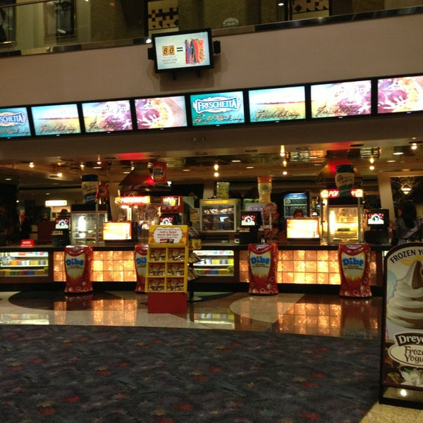 edwards metro pointe 12 movie theater in south coast metro