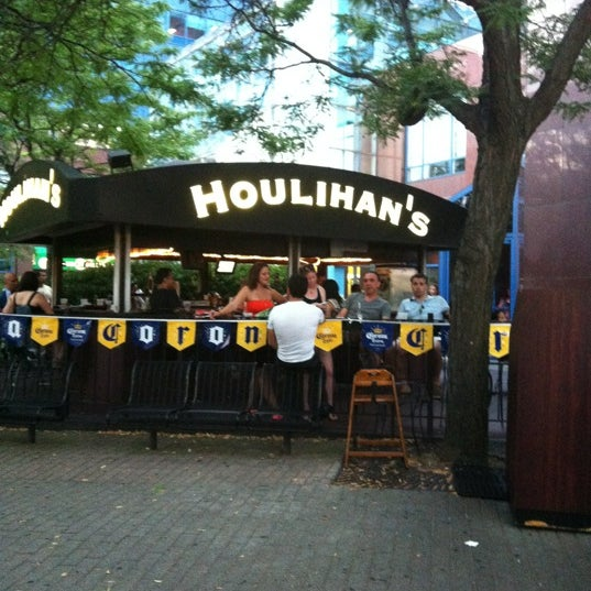 Photo taken at Houlihan's by Samantha R. on 7/9/2012