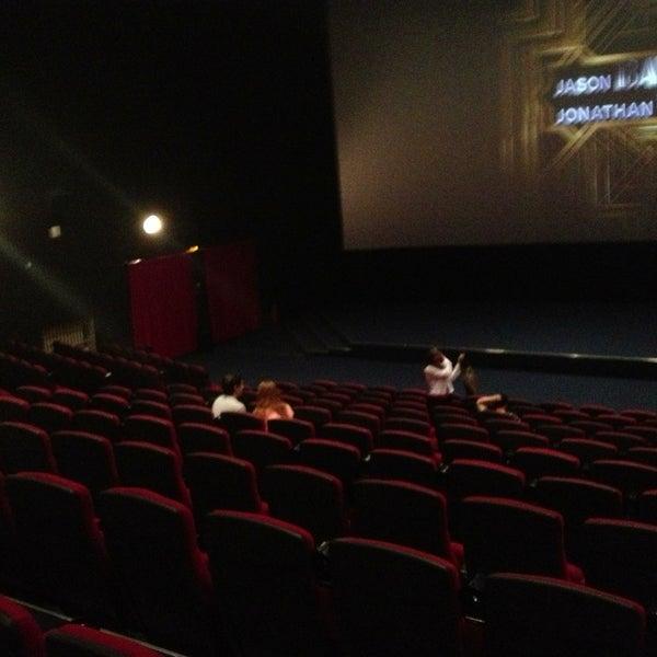 5/19/2013 tarihinde Tanya C.ziyaretçi tarafından Кинотеатр «Россия»'de çekilen fotoğraf